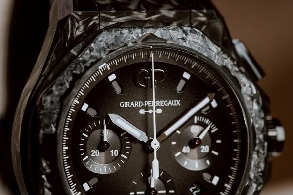 Girard-Perregaux Laureato Absolute Crystal Rock