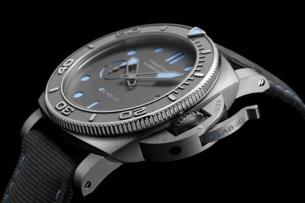 Officine Panerai Submersible eLAB-ID™ PAM01225