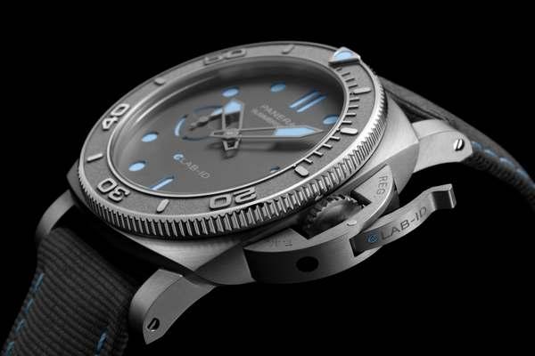 Officine Panerai Submersible eLAB-ID™ PAM01225