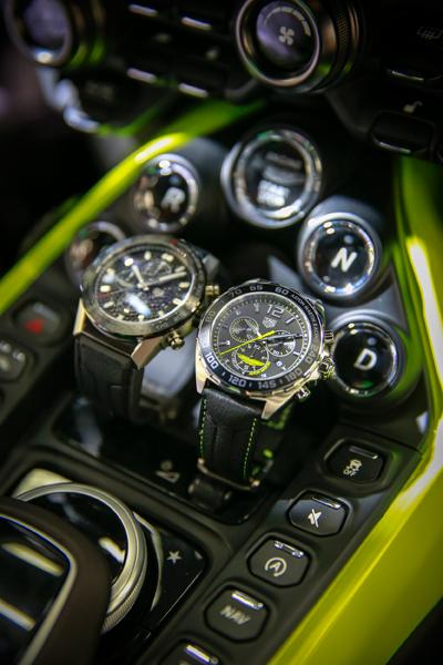 TAG Heuer Carrera Heuer 01 Aston Martin e TAG Heuer Formula 1 Aston Martin